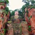 Au pied du plus grand Bouddha du monde